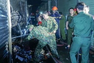 Điện Biên: Cháy lớn tại chợ Noong Bua, hàng chục ki ốt bị thiêu rụi
