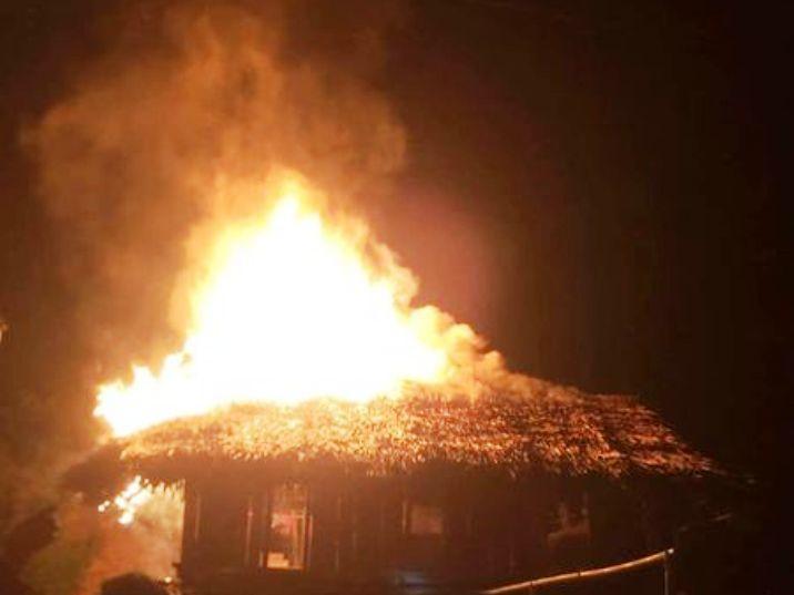 đốt nhà,Nghệ An,xin tiền,hủy hoại tài sản