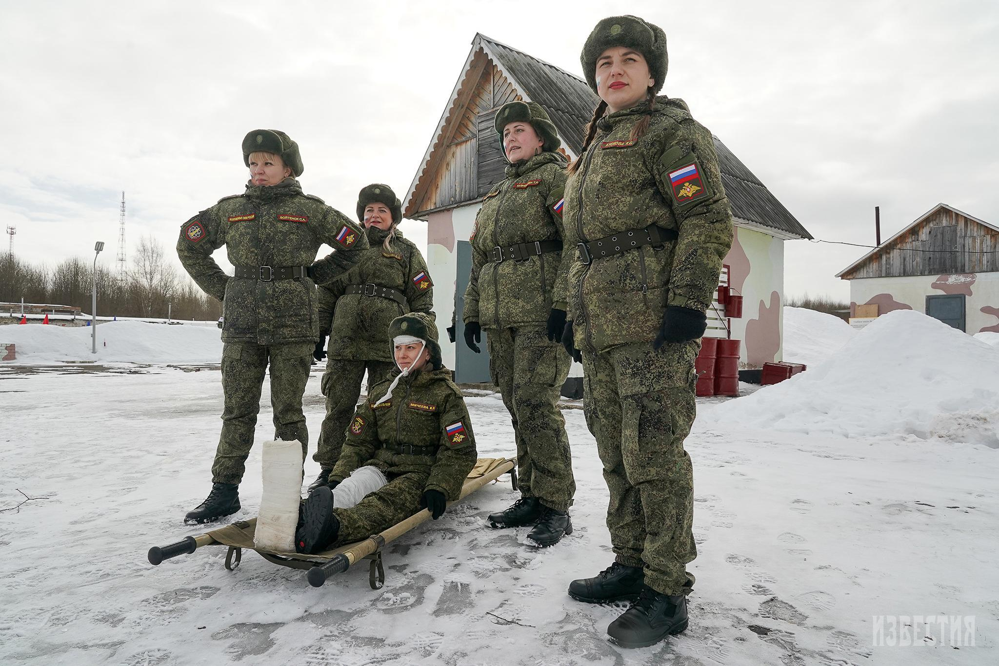 Những 'bông hồng thép' của quân đội Nga khoe sắc