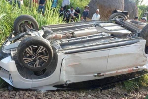 Vụ tàu hỏa tông ô tô, 3 người thương vong ở Quảng Ngãi: Lỗi của người gác chắn tàu?