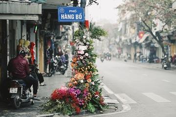 """Câu tị nạnh hot nhất mạng xã hội ngày 8/3: """"Đến cột đèn còn có hoa"""""""