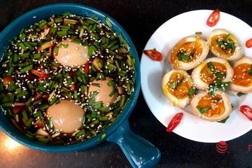 """Chỉ 10 phút có ngay món trứng ngâm tương kiểu Hàn Quốc """"bao ngon"""""""