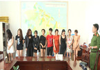 Huế: Bắt quả tang hơn 20 thanh niên thuê phòng hát karaoke tổ chức đánh bạc và dùng ma túy