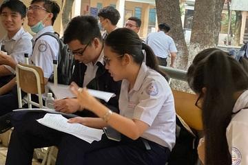 Hải Dương yêu cầu 1 trường tạm dừng cho học sinh lớp 12 đến trường vì lơ là phòng dịch