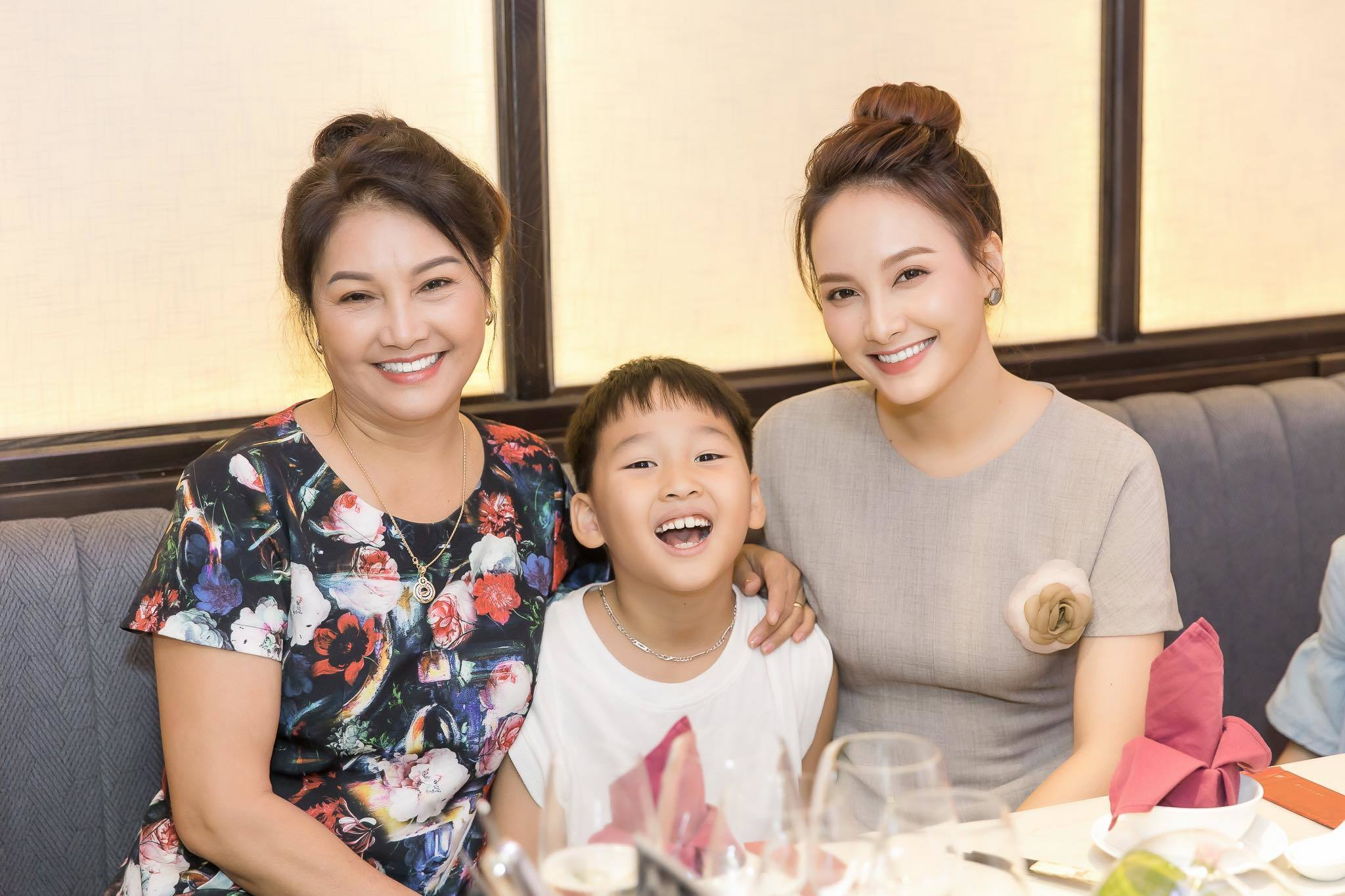 """Bảo Thanh chỉ dám nhận mình là 'Á hậu' vì thua xa 'Hoa hậu"""" này"""