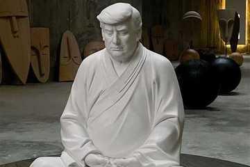 Bức tượng ông Trump khác lạ được rao bán ở Trung Quốc