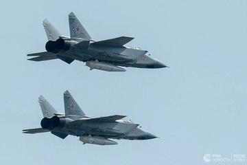 MiG-31 'thợ săn siêu hạng' ở Bắc Cực