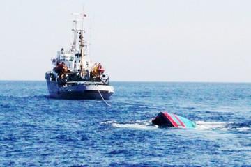 Tàu cá Nghệ An bị tàu nước ngoài đâm chìm, 2 thuyền viên mất tích
