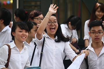 """Tuyển sinh 2021: Nhiều trường tung học bổng """"khủng"""" thu hút học sinh giỏi"""