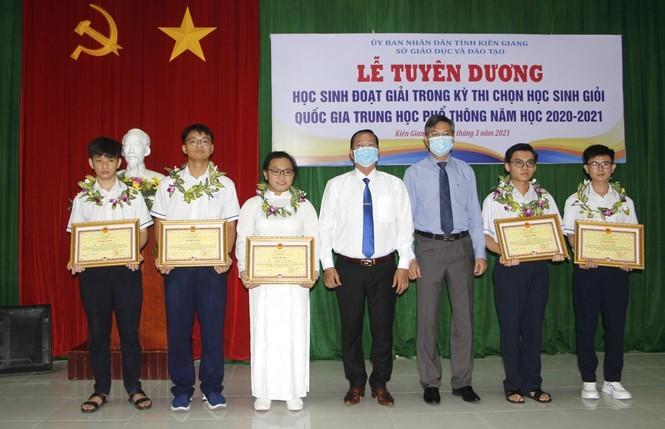 Kiên Giang: Học sinh giỏi quốc gia được thưởng 80 triệu đồng