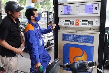 Giá xăng E5 RON92 tăng gần 700 đồng/lít