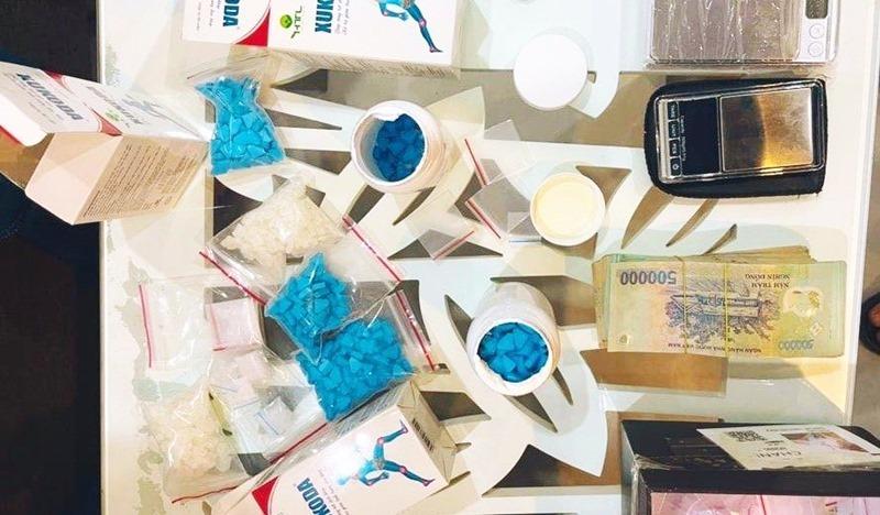 Bắt 'hot girl' cầm đầu đường dây mua bán thuốc lắc ở Đà Nẵng