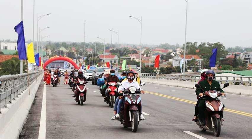 Cầu Cửa Hội - cầu đường bộ lớn nhất miền Trung chính thức thông xe