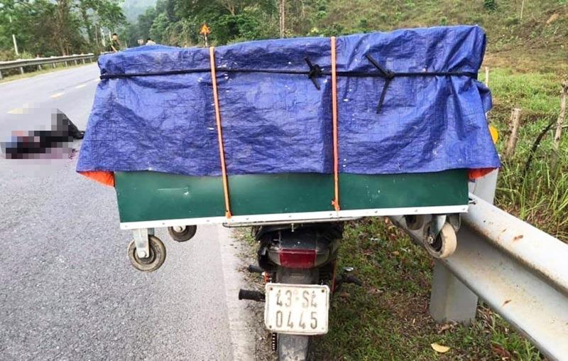 Quảng Nam: Thanh niên tử vong bất thường cạnh xe máy chở hàng