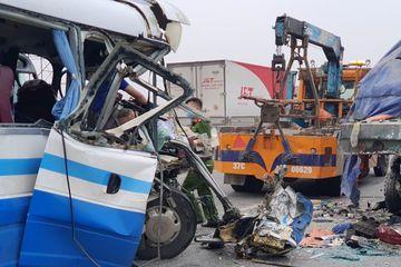 Khởi tố, bắt tạm giam tài xế xe khách gây tai nạn ở Nghệ An khiến 3 người tử vong