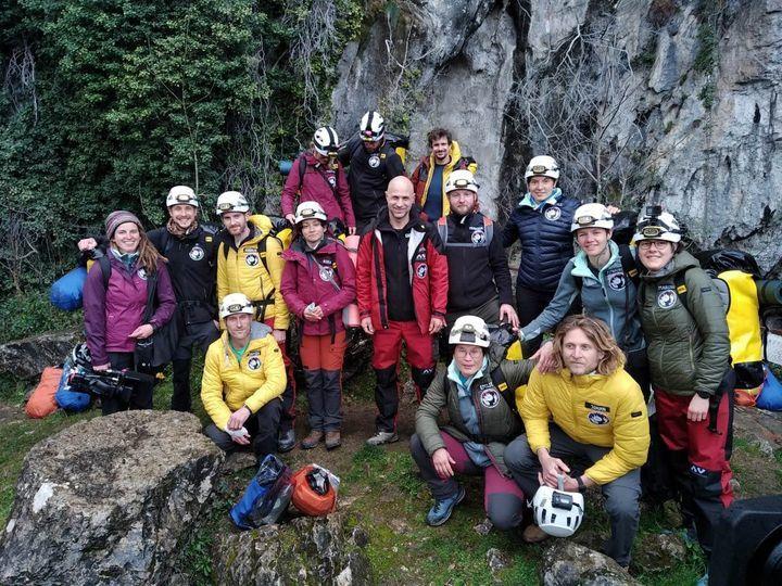 Thử thách khắc nghiệt trải nghiệm cuộc sống trong hang động hẻo lánh 40 ngày
