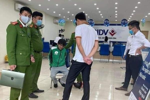 cướp ngân hàng,Hà Nội,tài xế taxi,BIDV,Phúc Thọ,cướp tài sản,tiền án