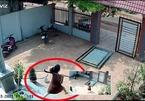 Phá cổng trộm xe, mất vía khi bà bầu vác dao rựa đuổi đánh