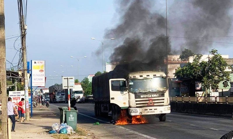 quảng nam,cháy xe,quốc lộ,xe tải