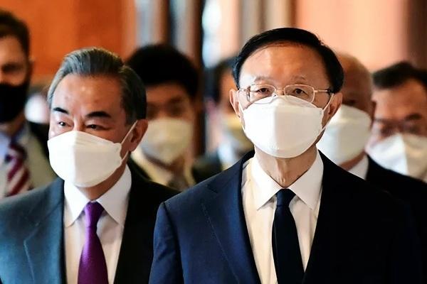 Cuộc gặp đầu tiên của quan chức Mỹ - Trung kết thúc đầy căng thẳng và bất đồng