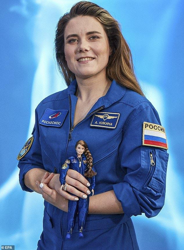 nga,phi hành gia,nữ phi hành gia,Anna Kikina,Roscosmos,búp bê,búp bê Barbie