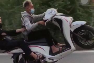 Xử phạt hai nam thanh niên đi xe SH bốc đầu trên đường