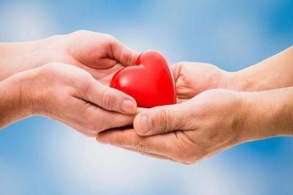 Người mẹ tìm người ghép trái tim từ con trai hiến tặng: Bệnh viện Việt Đức nói gì?