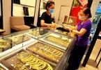 """Giá vàng trong nước """"lội ngược"""" giá thế giới, có nên mua vàng lúc này?"""