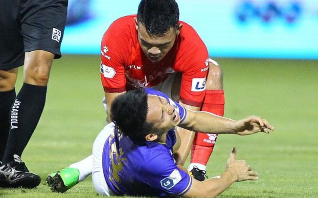 bóng đá,Hùng Dũng gãy chân,chấn thương,chấn thương khi chơi bóng,vào bóng