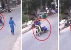 """Cô gái ngồi sau xe máy bất ngờ lộn nhào xuống đường, """"thủ phạm"""" hóa ra là vật quen thuộc của chị em"""