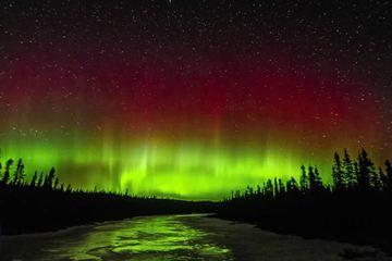 'Vũ điệu ánh sáng' - cực quang rực sáng trên bầu trời Minnesota