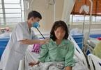 Cấp cứu nữ bệnh nhân 38 tuổi đột quỵ khi đang đi chợ cùng chồng