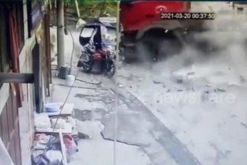 Tài xế xe máy thoát chết trong gang tấc ngay trước đầu xe bồn