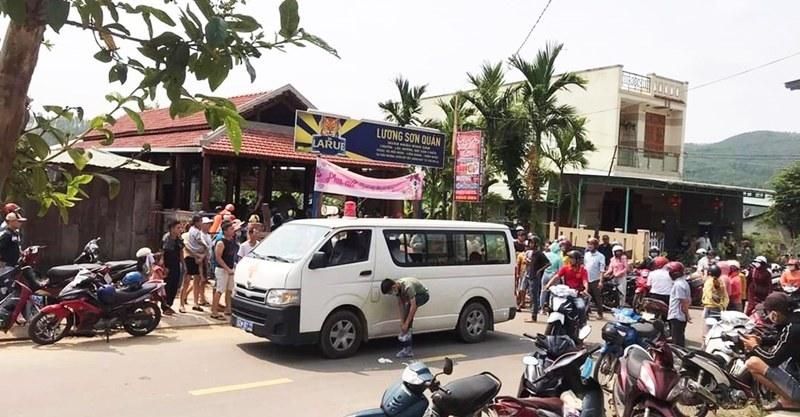 Đầu bếp tử vong, vợ chồng chủ quán bị thương nặng trong quán nhậu, nghi có án mạng