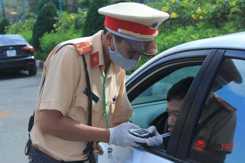 Lâm Đồng: Trong 2 tuần, xử lý 25 tài xế vi phạm về nồng độ cồn