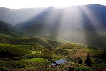 Nắng nóng diện rộng ở Tây Bắc và Bắc Trung Bộ, Nam Bộ hạ nhiệt mưa rào