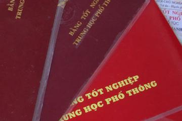 Huế: Cách chức, cho thôi việc Phó Chủ tịch xã dùng bằng THPT giả