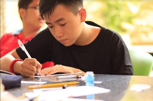 """Nam sinh giành học bổng """"khủng"""" với hoài bão thúc đẩy giáo dục cộng đồng vùng nông thôn"""