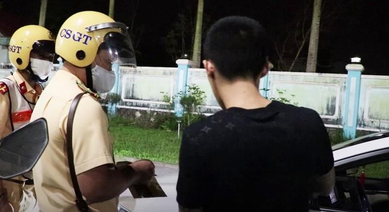 Quảng Nam: Dương tính với ma túy khi lái xe, 2 thanh niên bị phạt 75 triệu đồng