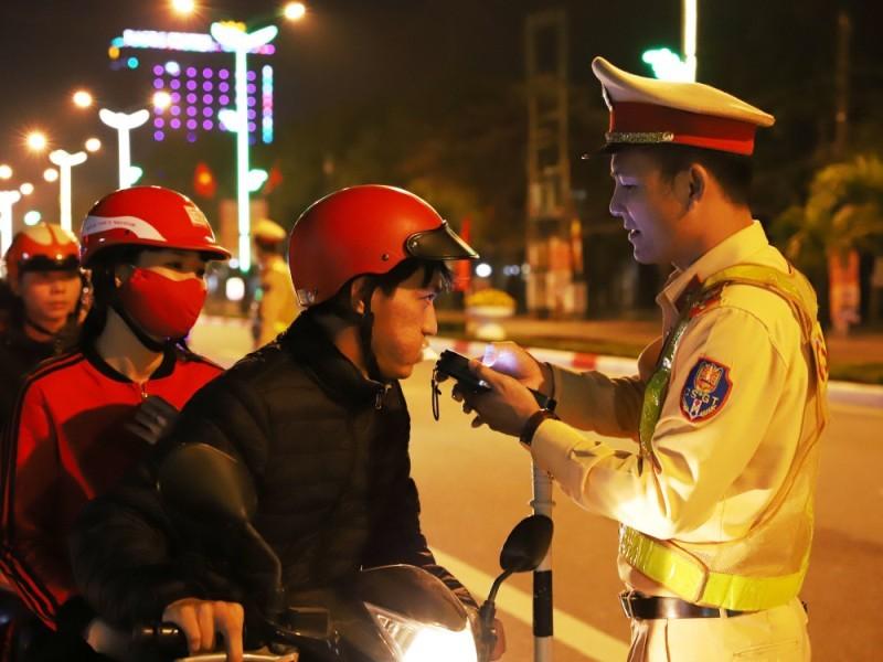 Hà Tĩnh: 4 tài xế bị phạt 42 triệu đồng vì vi phạm nồng độ cồn