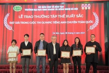 HUBT khen thưởng sinh viên đạt thành tích tại các cuộc thi quốc gia và khu vực