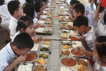 Yên Bái: Tiếp tục phối hợp ngành y tế đảm bảo an toàn thực phẩm trong bữa ăn bán trú cho học sinh
