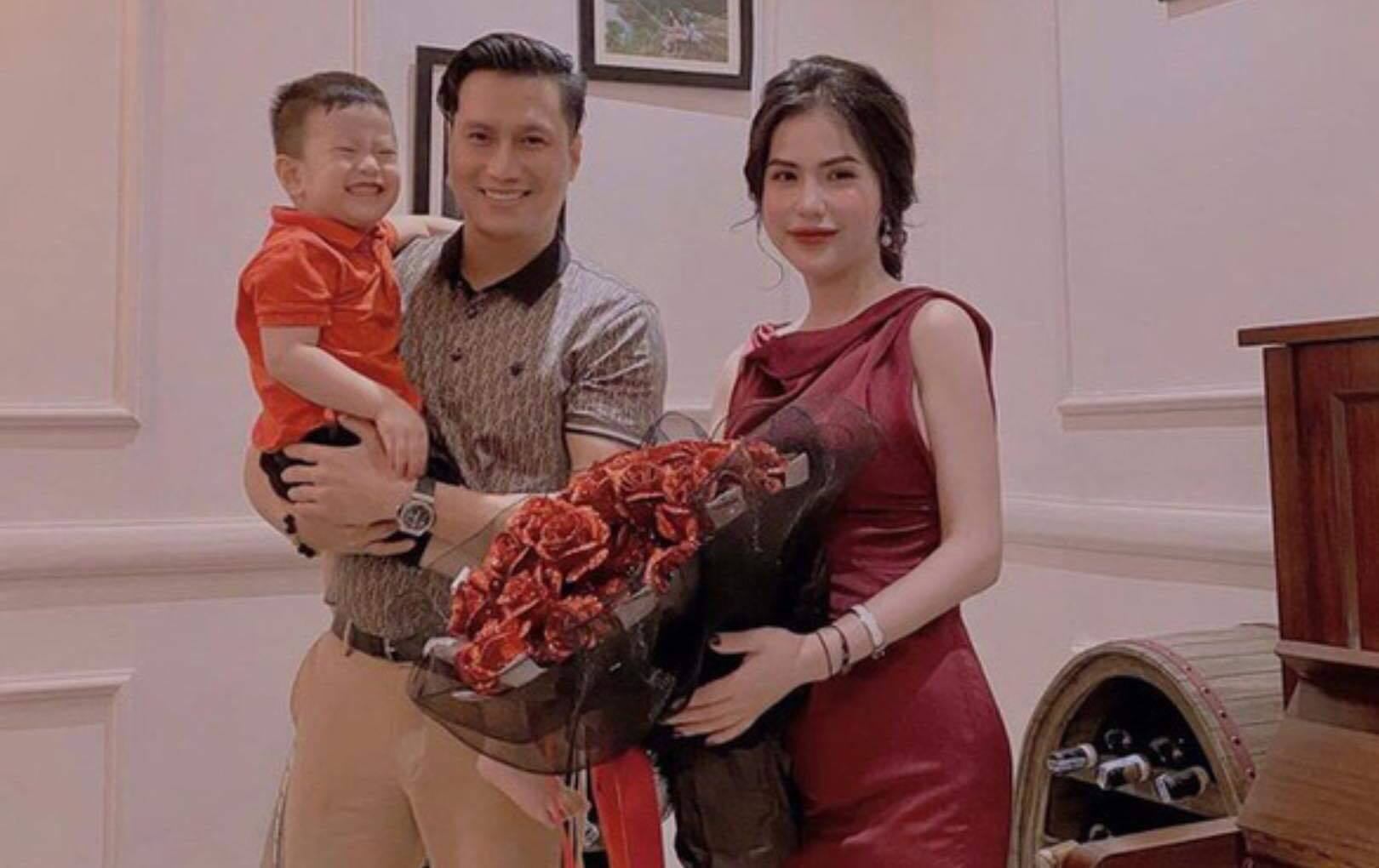 Vợ cũ than ế, Việt Anh để lại bình luận như kiểu 'gương vỡ lại lành'