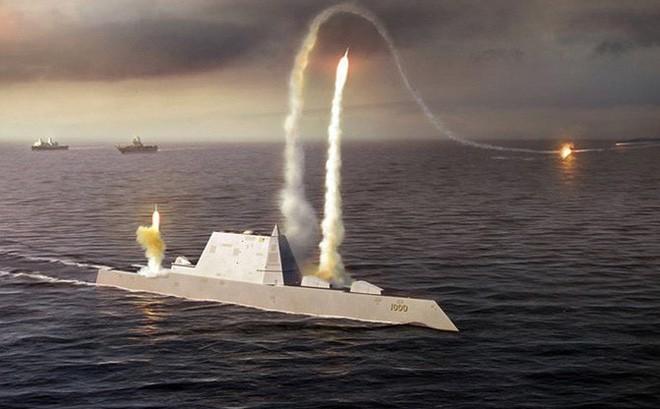 USS Zumwalt chuẩn bị được 'độ' bằng tên lửa khủng để 'nắn gân' Trung Quốc?