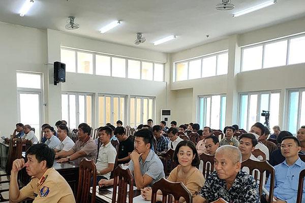 Thừa Thiên - Huế,Doanh nghiệp vận tải,Tài xế lái xe,Cam kết chấp hành,Luật Giao thông đường bộ,Phòng CSGT