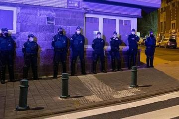 Trò đùa ngày 'Cá tháng Tư' trên mạng xã hội gây náo loạn ở Brussels