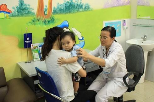Băn khoăn 'có nên tiêm vắc xin ngừa ung thư cổ tử cung cho con gái'