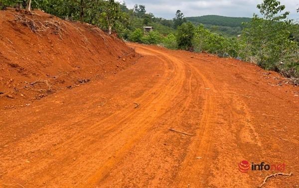 Im lặng khó hiểu trong vụ mở đường, xây nhà trái phép trên rừng bán ngập hồ thủy điện