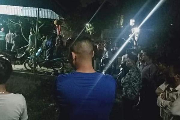 Cô gái tẩm xăng tự thiêu trong phòng trọ ở Hòa Bình: Danh bạ điện thoại chỉ có 10 số, chưa tìm được người thân
