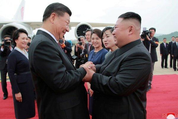 Trung - Triều có 'động thái ngầm' hợp tác chống lại sức ép từ Mỹ